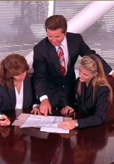 Mitarbeiter-Immobilienwirtschaft-Beratung_180x250