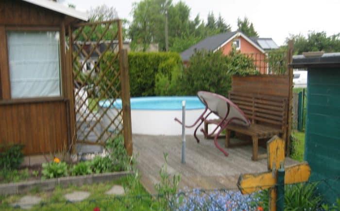Gartenhaus mit Pool