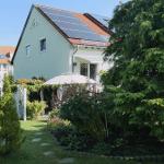 Gartenansicht mit Fotovoltaik