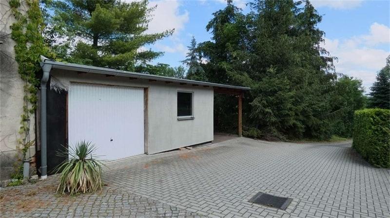 Garage 1+Nebengebäude