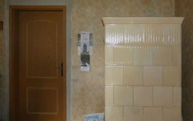 Kachelofen-im-Wohnzimmer