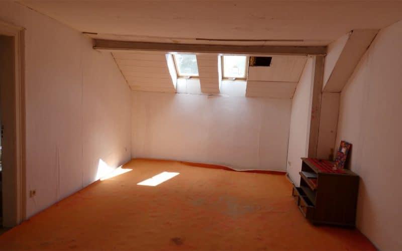 Dachgeschoßwohnung unsaniert